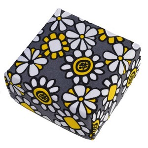 Representative Image of Happy Yellow and Gray Treasure Box
